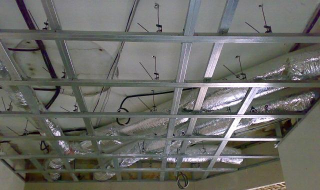 монтаж профиля под гипсокартон на потолок