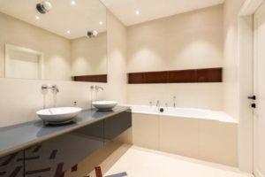 выбираем подвесной потолок в ванную